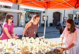 Čtyřicítka prodejců zamíří na sobotní novoměstské farmářské trhy